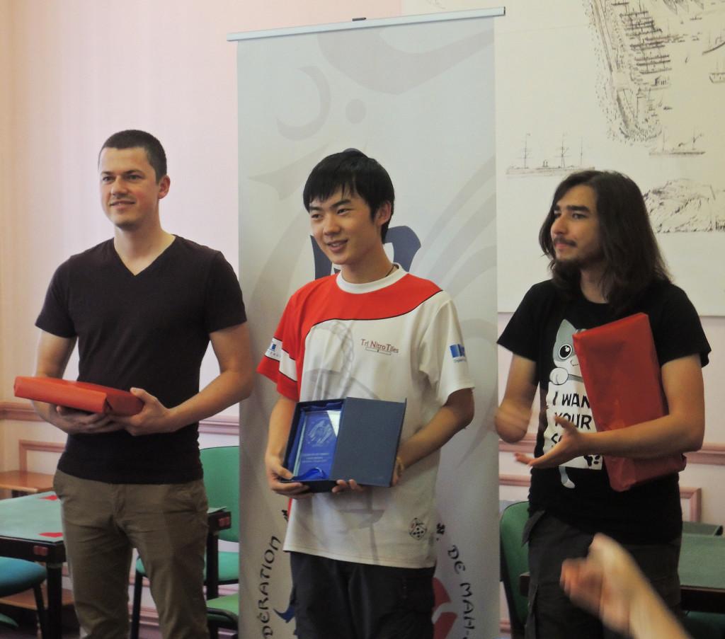 Zeyu Sun (premier, centre), Ondrej Bellay (deuxième, gauche), Mathieu Chambe (troisième, droite)